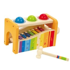 xylophone et boîtier à marteler et tapoter