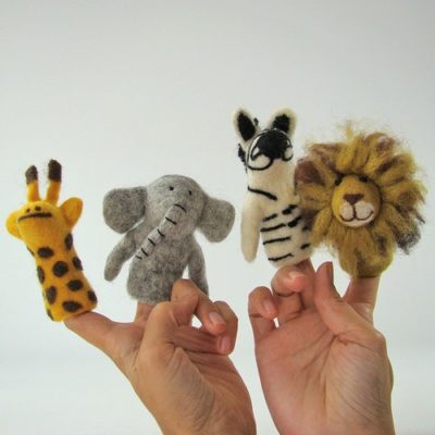 Marionnettes à doigts en laine feutrée - Afrique